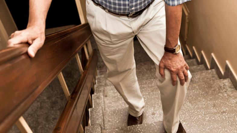 Dolor de rodilla al subir escaleras